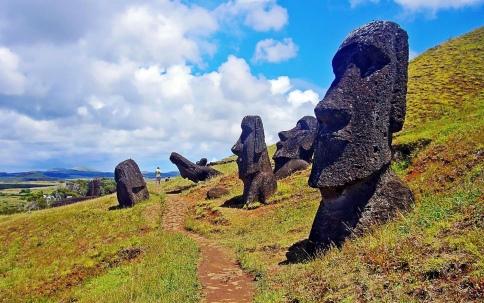 R rapa-nui-national-park-1.jpg